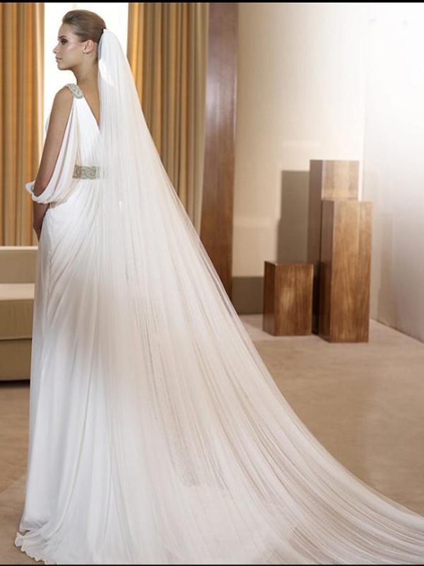 Свадебная фата в греческом стиле