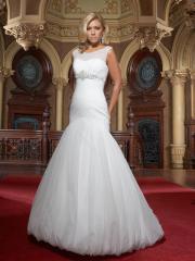 A Trumpet with Empire Waistline Wedding Dress