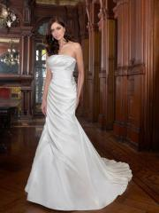 A Trumpet with So Elegant Chapel Train Wedding Dress