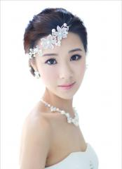 Bridal  Flower  Shaped Graceful Wedding Tiara with Crystal and Pearls