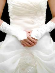 Chic Fingerless Bridal Gloves in Satin
