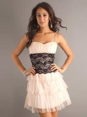 Classy A-line Style with Spaghetti Straps and Tiered Skirt Lace Accent Wedding Guest Dresses