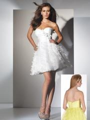 Fairytale Short-length Sweetheart Floral Applique Pure White Cocktail Dress with Beadings