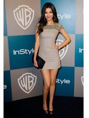 Modern Short-length Evening Dress with Shining Beadings
