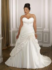 Plus-Size with Sweetheart Neckline And Shirred Waistline Wedding Dress