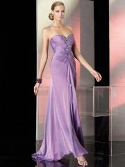 Romantic Floor-length Sweetheart Chiffon Prom Dress with Rhinestones and Zippers