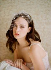 Short  Vintage Floral Tulle Veil with Lace