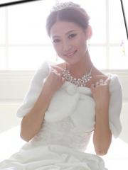 Simple Designed Faux Fur Wedding Cape in Newest Style Wedding Wraps