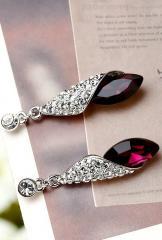 Sparkling Rhinestone Earrings Jewelry Set in White