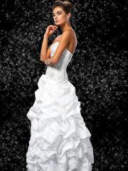 White Strapless Necklines in Floor Length Wedding Dress